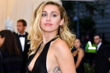 Miley Cyrus estrena su nuevo EP 'She Is Coming'. Cusica Plus.