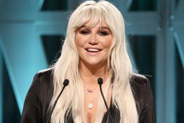 """Kesha critica el sistema educativa y la desigualdad salarial en su nuevo tema """"Rich, White, Straight, Men"""". Cusica Plus."""