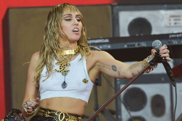 Miley Cyrus y The Raconteurs se retiran de Woodstock 50 - Cúsica Plus