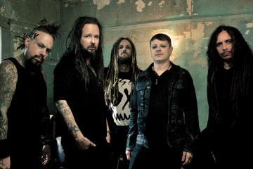 Korn llega con su nuevo tema 'Cold'. Cusica Plus.