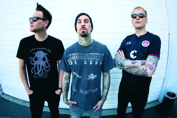 Blink-182 llega con su nuevo disco 'Nine'. Cusica Plus.