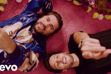 Juanes y Sebastian Yatra comparten su nuevo tema 'Bonita'. Cusica Plus.