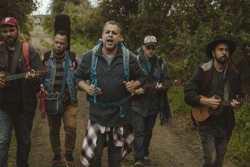 Luis Enrique y C4 Trío dedican canción a los emigrantes venezolanos y nicaragüenses. Cusica Plus.