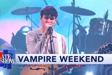 Vampire Weekend interpretó 'Sympathy' en el Late Show de Stephen Colbert. Cusica Plus.