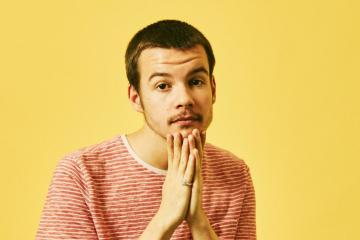 Rex Orange County hace un 'cover' de 'I Don't Care' - Cúsica Plus