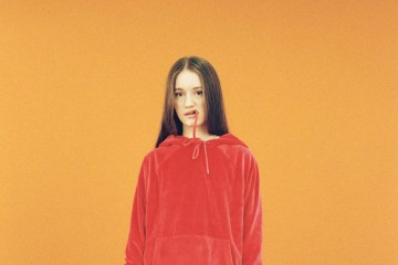 Sigrid regresa con su nuevo tema 'Home To You'. Cusica Plus.