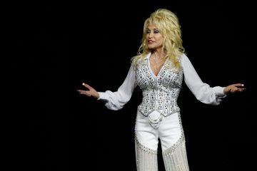 Ya publicaron el tráiler de la serie de Netflix de Dolly Parton - Cúsica Plus