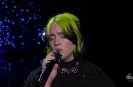 Billie Eilish cantó 'Yesterday' en los premios Oscars 2020. Cusica Plus.