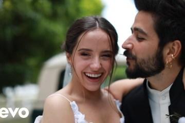 Camilo y Evaluna Montaner celebran su matrimonio con un nuevo tema juntos. Cusica Plus.