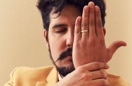 Mangan, baterista de Viniloversus, se prepara para el lanzamiento de su proyecto solista. Cusica Plus.