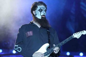 Jim Root, guitarrista de Slipknot, tiene planeado un proyecto solitario. Cusica Plus.