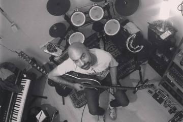 Yunior Lobo, ex baterista de Los Paranoias, regresa con su proyecto solista, Zurbarán. Cusica Plus.