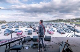 Estados Unidos tendrá su primera gira de concierto Drive-in. Cusica Plus.