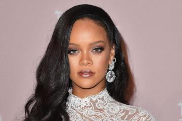 Rihanna se convierte en la artista femenina con la fortuna más grande en la historia. Cusica Plus.