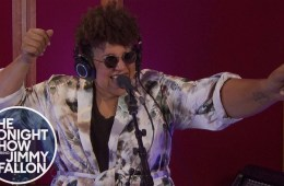 Brittany Howard llegó al show de Jimmy Fallon para cantar 'Goat Head'. Cusica Plus.