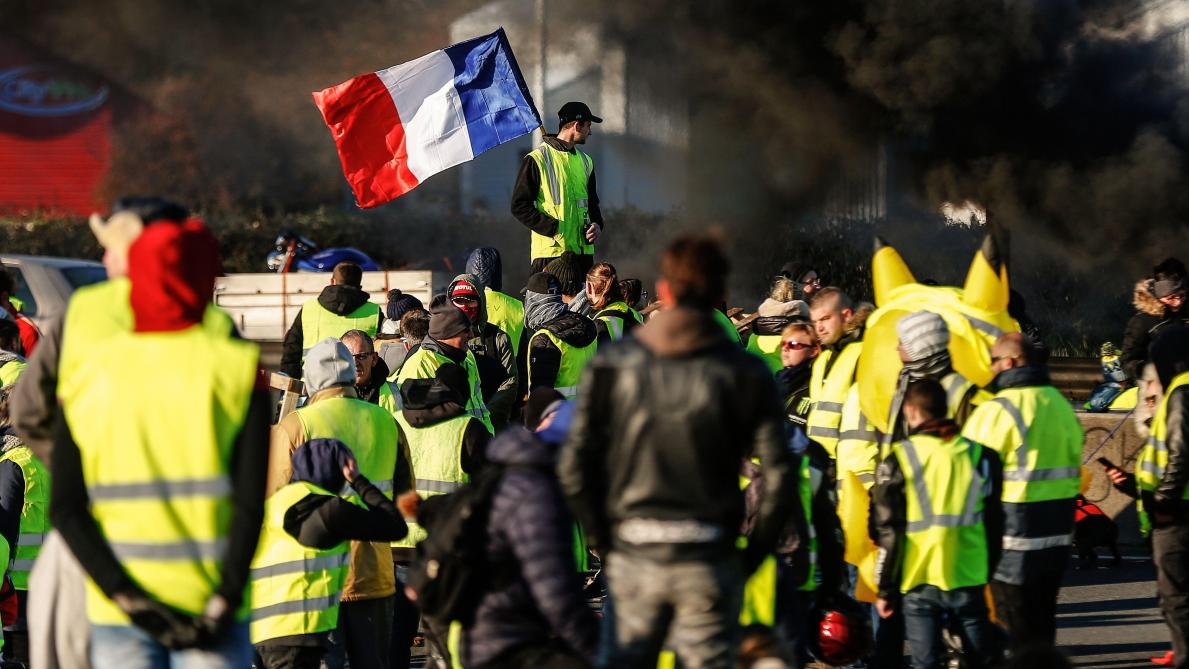 Image result for badiou gilets jaunes extreme droite