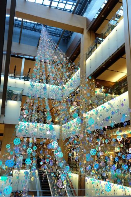 東京ミッドタウンのクリスマスデコレーション キラキラしていてとてもきれい