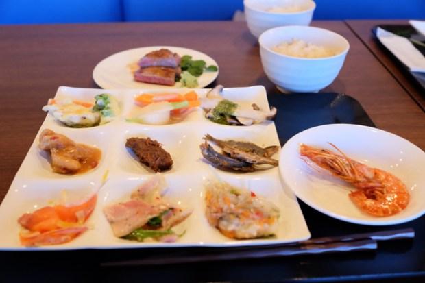 星野リゾート リゾナーレ熱海 夕食 ステーキは実演
