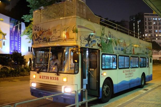 オープントップバス_&_ビクトリアピーク夜景鑑賞ツアー_前編_屋根なしバス