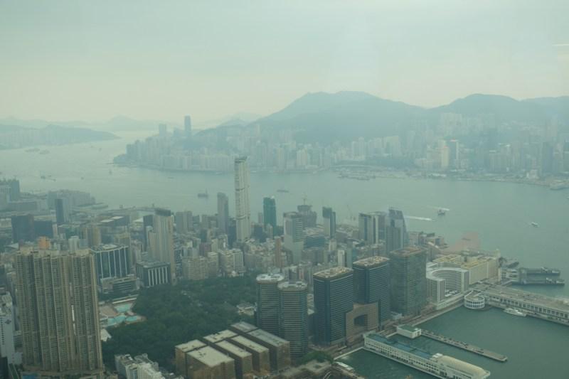SKY100_九龍の街と向こうに香港島