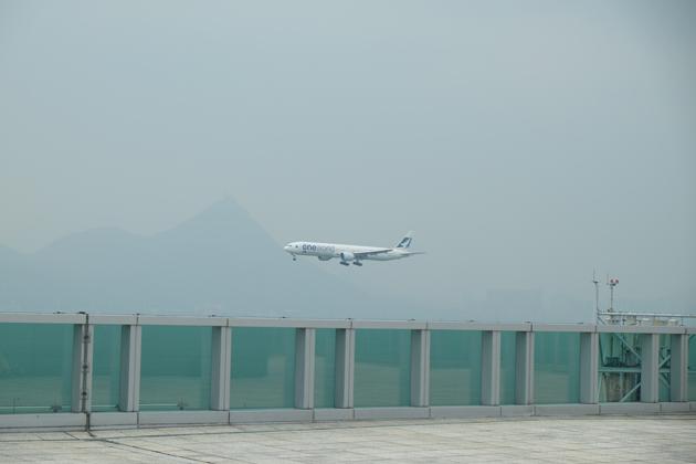 航空探知館_Aviation_discovery_center_着陸機がみえる1