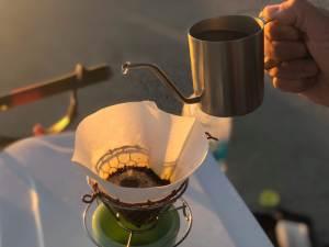 釣りとコーヒーを楽しむ