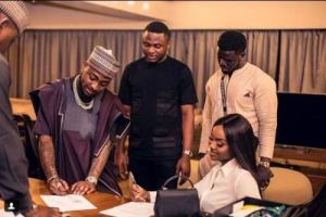 DONE DEAL: Davido's Girlfriend, Chioma Signs Multimillion Naira Deal