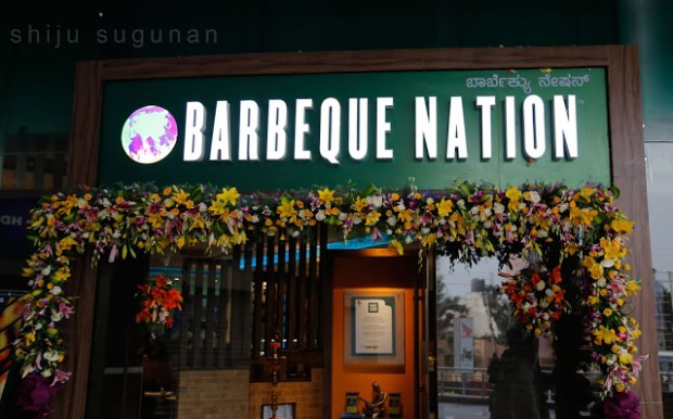 decorated-barbeque-nation-rajajinagar-bangalore-bappi-lahiri-launch-disco-king-shiju-sugunan-craniumbolts-food-review.jpg