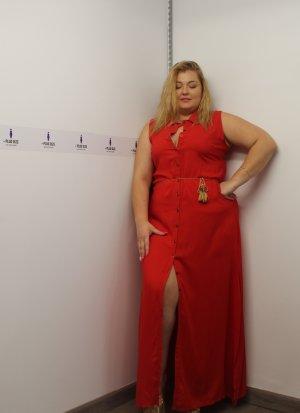 Φόρεμα σεμιζιέ αμάνικο κόκκινο με σκίσιμο στο πλάι και ζωνάκι