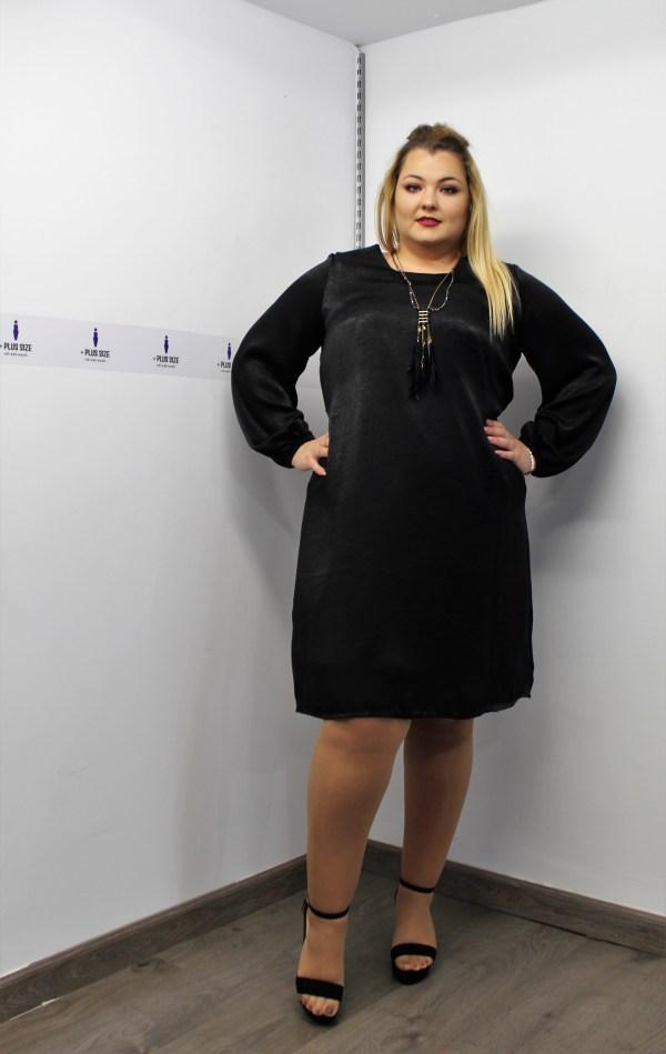 Φόρεμα σατέν μεγάλα μεγέθη midi μαύρο με λαστιχάκι στα μανίκια