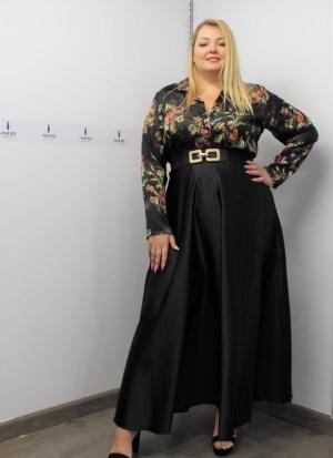 Φούστα μαύρη γυαλιστερή με λάστιχο στη μέση και φερμουάρ