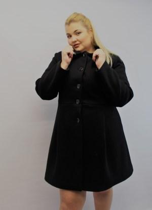 Παλτό μεγάλα μεγέθη με γιακά μαύρο με τσέπες και κουμπιά