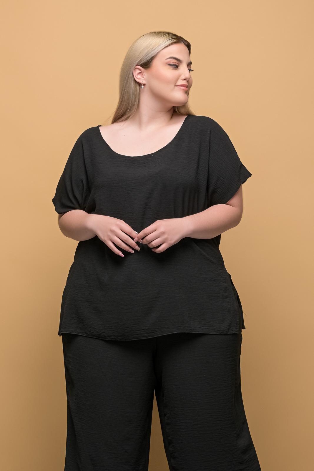 Μπλούζα ανάλαφρη μαύρη με λαιμόκοψη