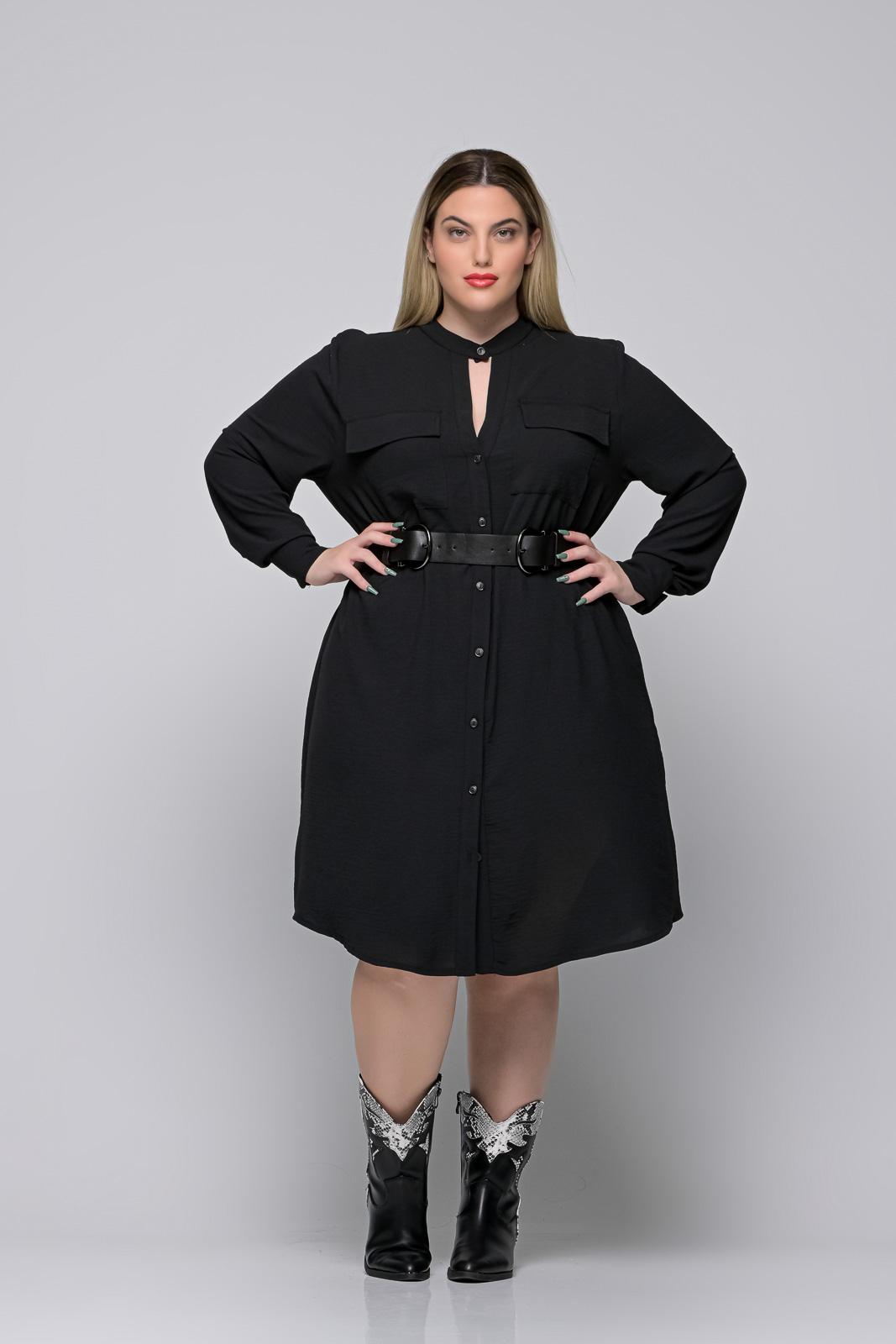 Ζώνη μεγάλα μεγέθη λάστιχο με δερματίνη και ανθρακί κούμπωμα .Στο eshop μας θα βρείτε οικονομικά γυναίκεια ρούχα σε μεγάλα μεγέθη και υπερμεγέθη.
