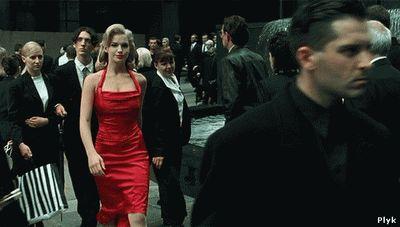 Женщина в красном матрица
