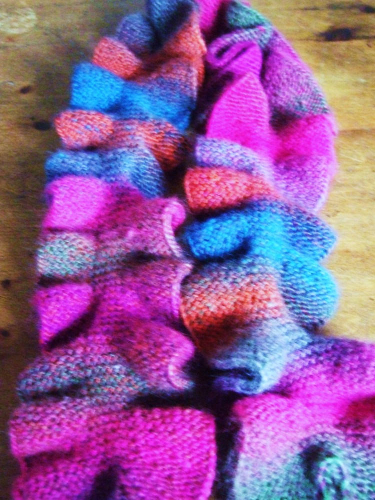 Sea Dragon scarf completed (3/3)