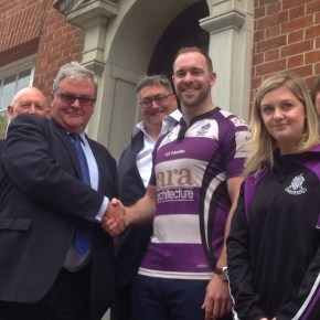 Experienced centre Bedford joins Exmouth after leaving Albion