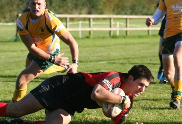 Doug Lloyd scores a try for Tavistock against Plymstock Albion Oaks
