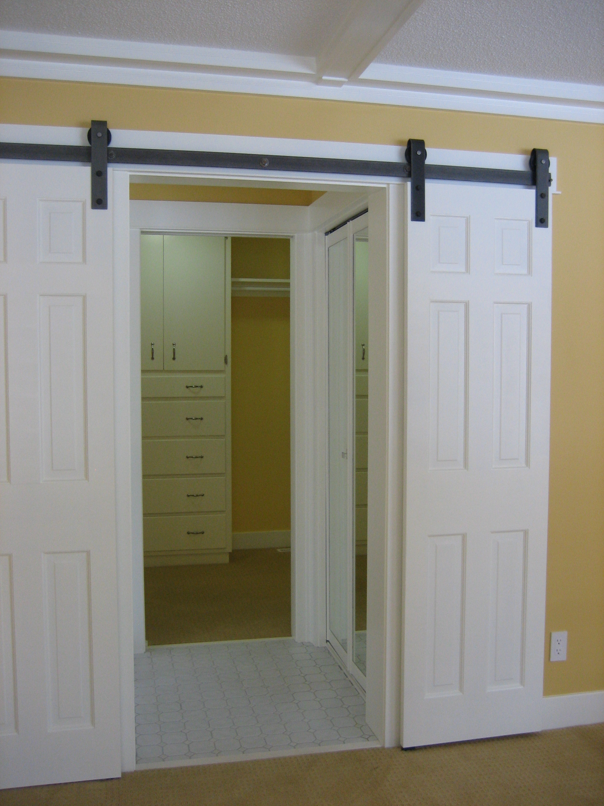10 Sliding interior doors  a practical and stylish alternative for all types of homes