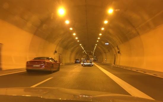 tunel ve slovinsku