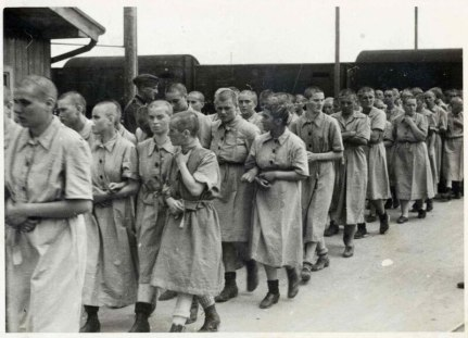 Vězenkyně v koncetračním táboře