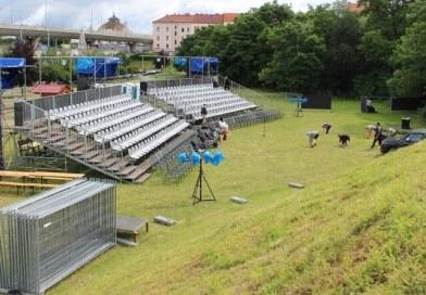 Divadelní léto začíná, bude po pauze jednouzprvních divadelních akcí vregionu