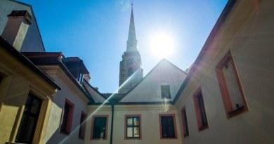 Plzeňské dvorky přidávají komentované prohlídky