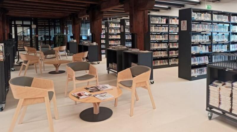oddělení pro dospělé v knihovně