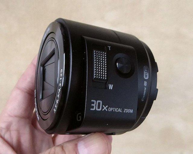 SONY-QX30
