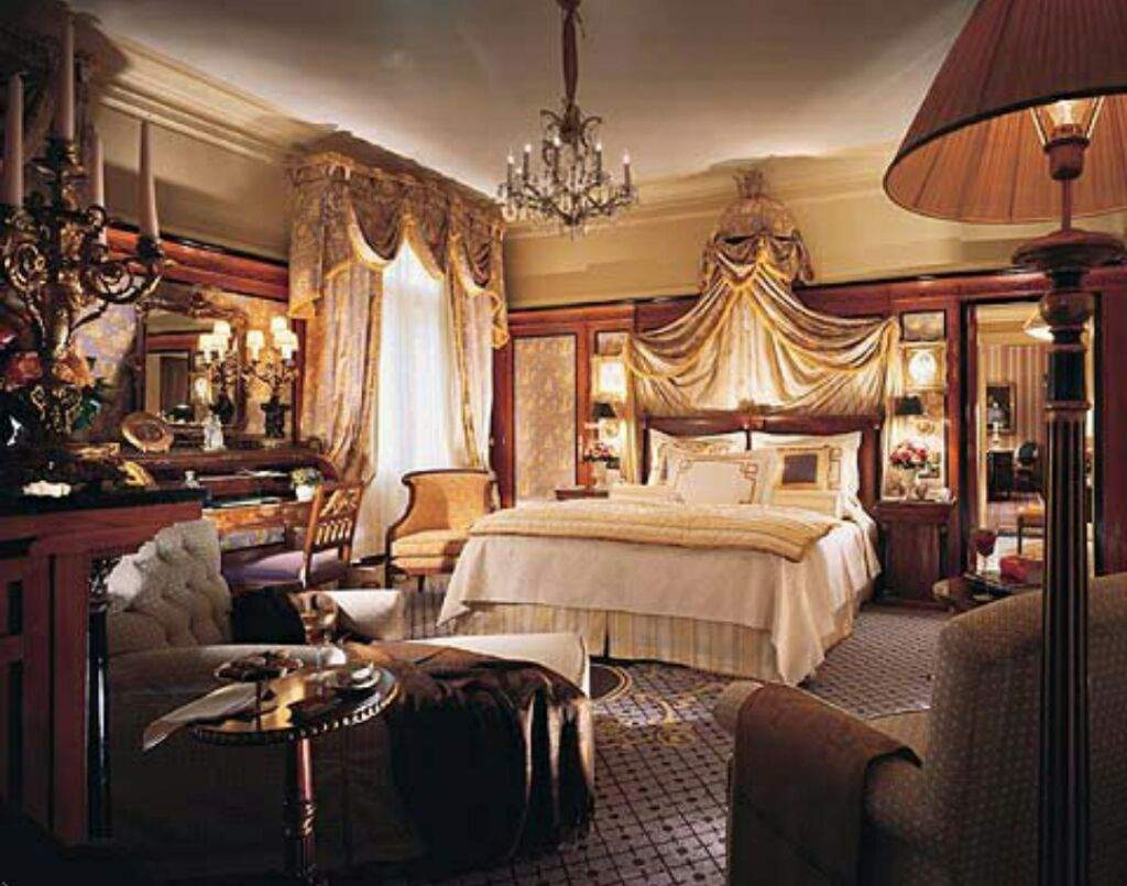 Royal Bedrooms In The Therel Palace Virtual Space Amino
