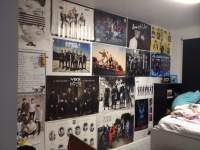 room with posters - Design Decoration