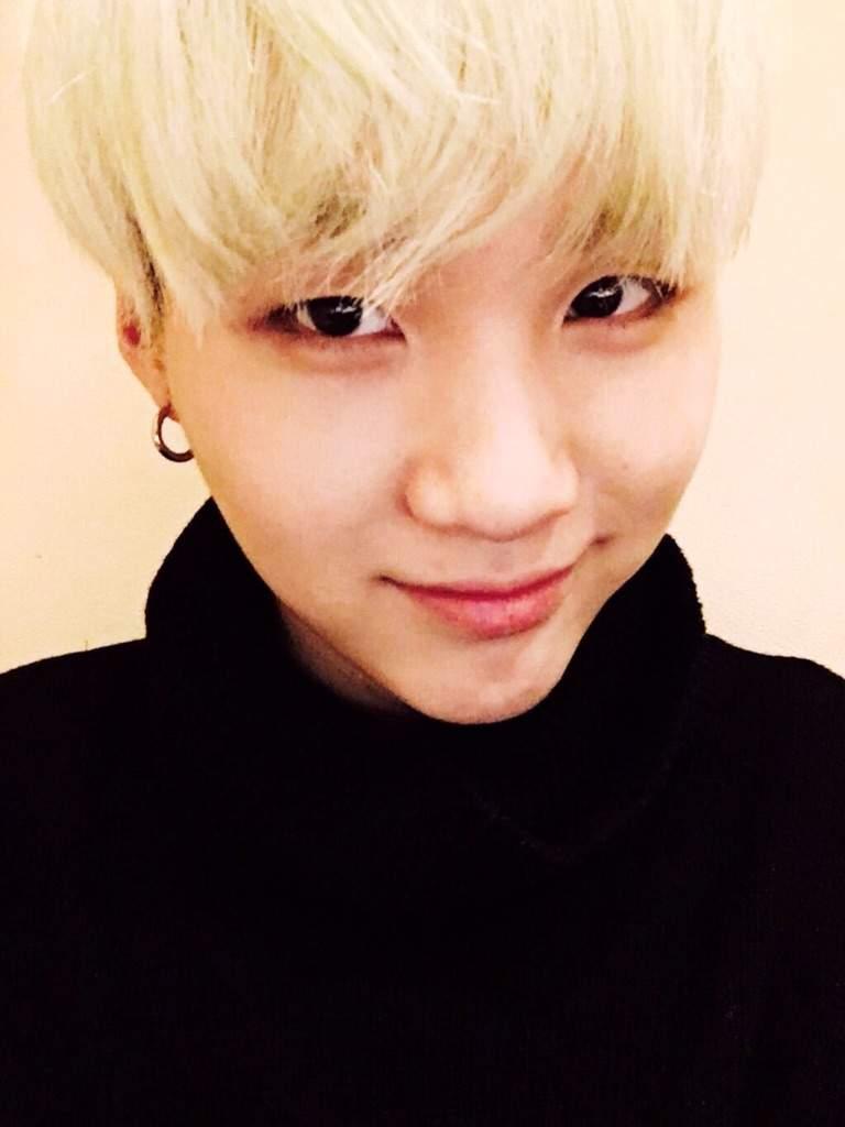 Cute Boy Crying Wallpaper Min Yoongi 💕 K Pop Amino