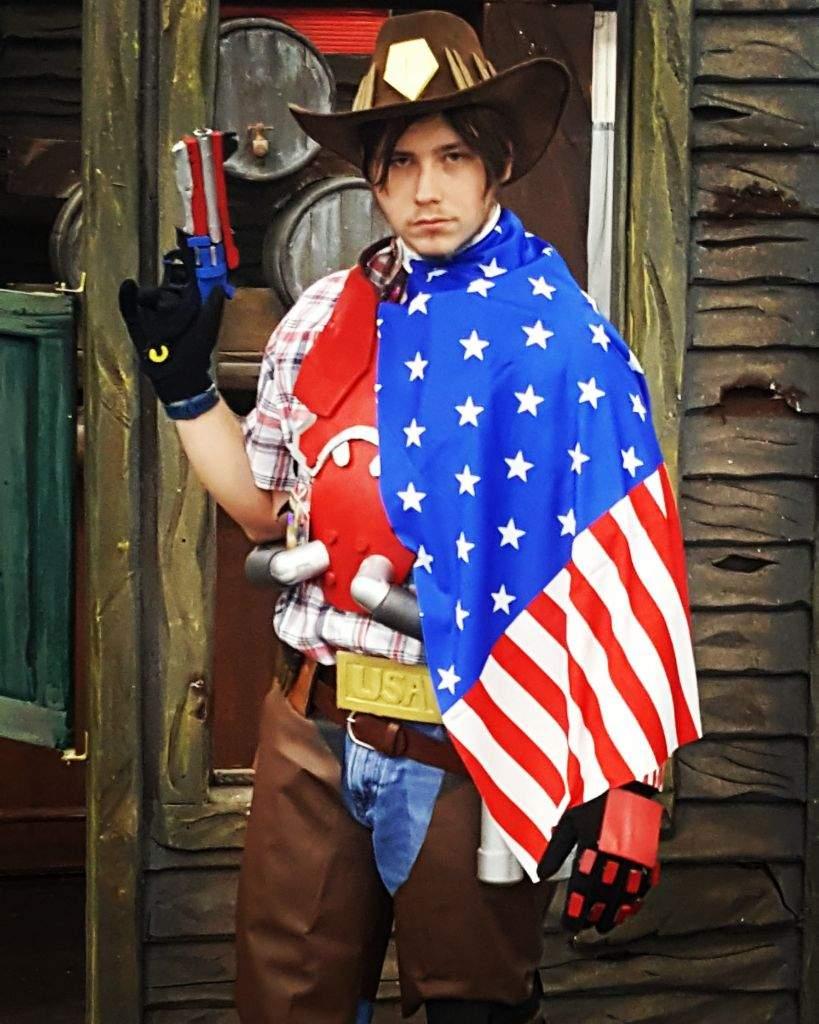 american mccree cosplay overwatch