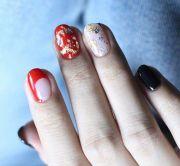 closer of lisa's nails